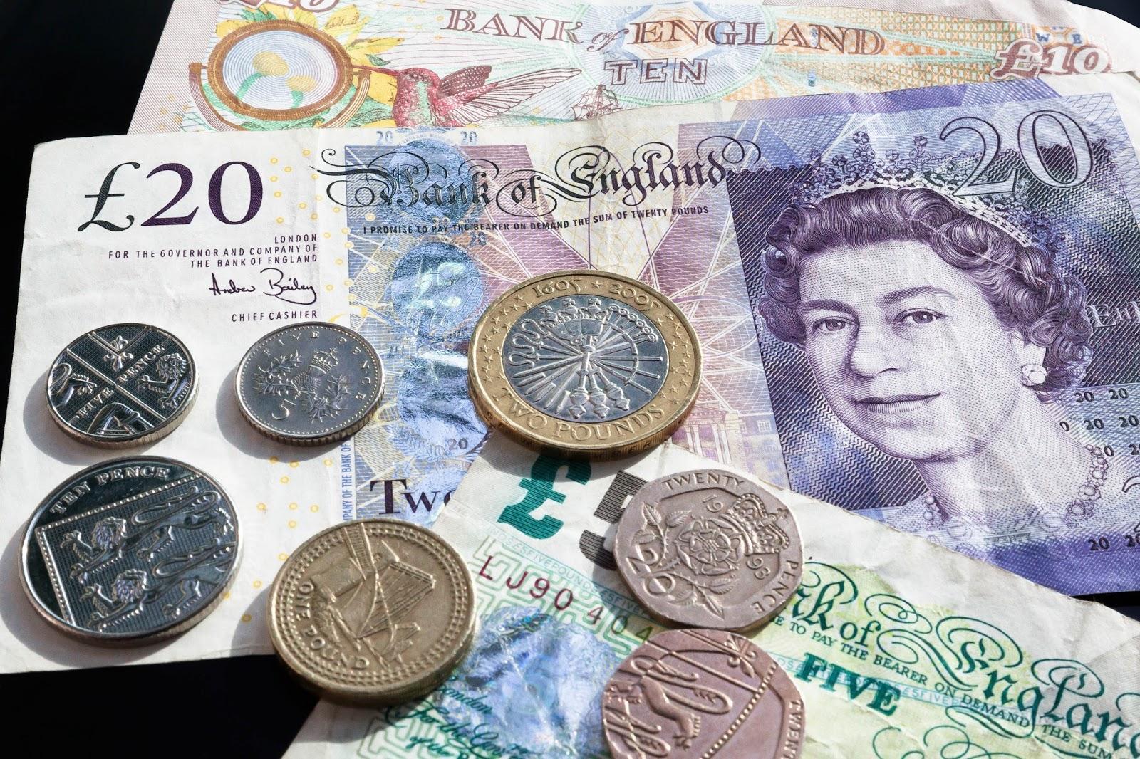 Bacnote și monede