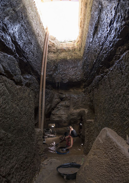 18th Dynasty shaft tomb discovered in Gebel el-Silsila