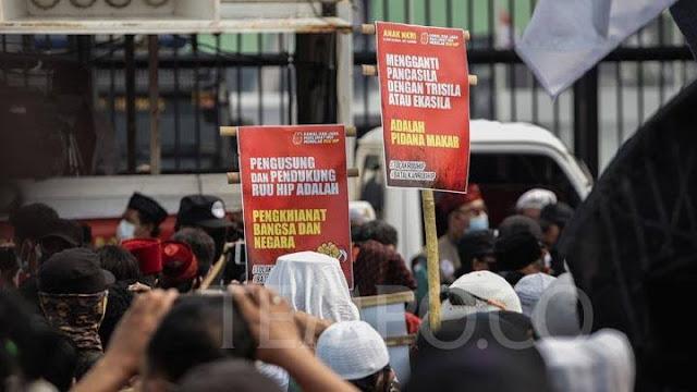 Kapolri Didesak Periksa Panja hingga Partai Pengusul RUU HIP karena Diduga Makar