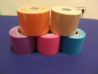 Rollos de kinesiotape de distintos colores