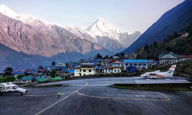 4. Bandara Lukla di Nepal