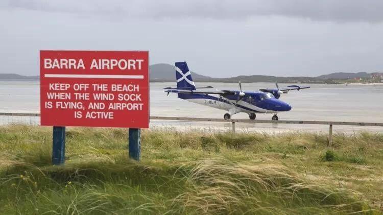 Movimento da maré determina operações em aeroporto na Escócia, entenda