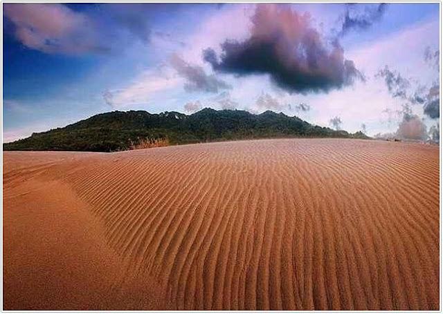 Gumuk Pasir Parangkusumo;10 Top Destinasi Wisata Bantul