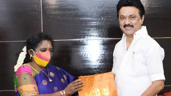 ஆளுநர் தமிழிசை சவுந்தரராஜன் சந்திப்பு.. முதல்வர் ஸ்டாலின் பேசியதும் ஒரு புன்னகை.... காரணம் இது...! Governor Tamilisai Soundarajan's meeting.. Chief Minister Stalin's speech had a smile... because it was...!