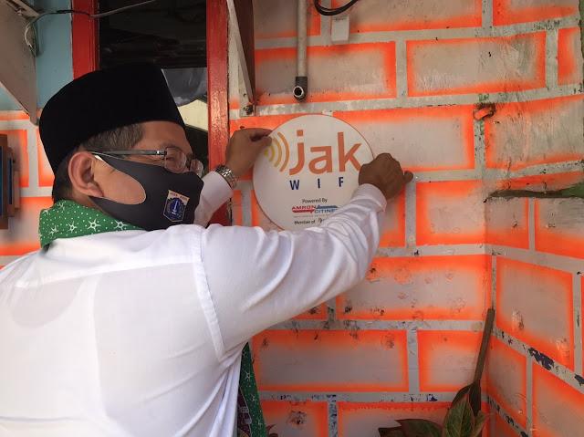 Hore! Warga Jakarta Kini Bisa Akses Internet Gratis