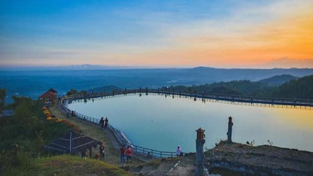 Destinasi Cantik EMBUNG NGLANGGERAN Gunung Kidul, Yogyakarta, lokasi dan harga tiket