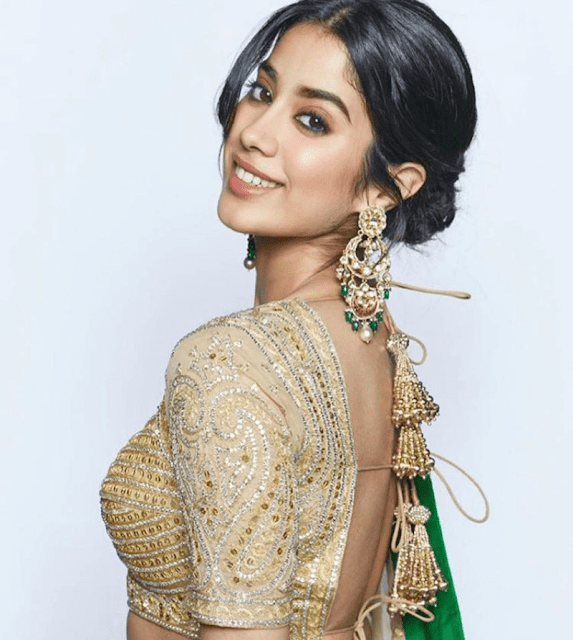 Jhanvi Kapoor Biography, Age, Height, Weight, Family, Mother, Father, Education, Body Measurements, Boyfriend, Affairs, Husband, Social Media