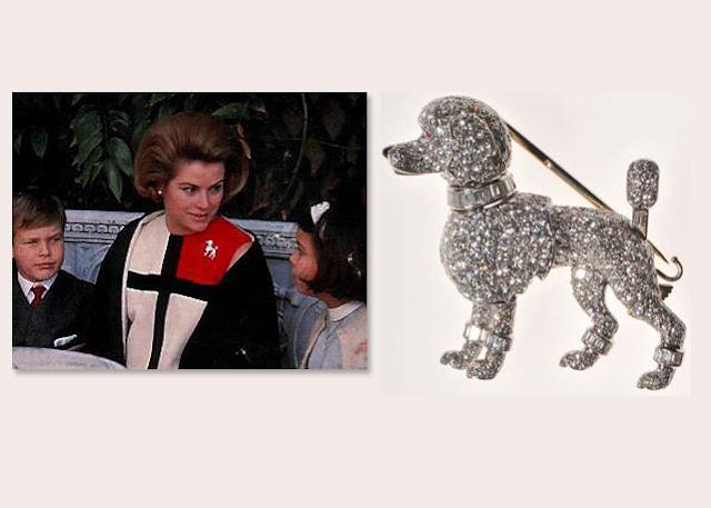 Grace de Monaco, filme jóias da Cartier, figurino, foto da atriz Grace Kelly, com broche