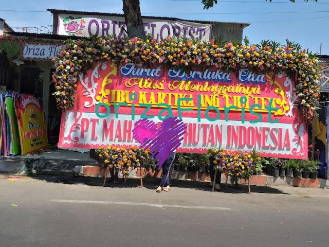 bunga papan ukuran jumbo, toko bunga papan surabaya harga, jual bunga duka cita surabaya