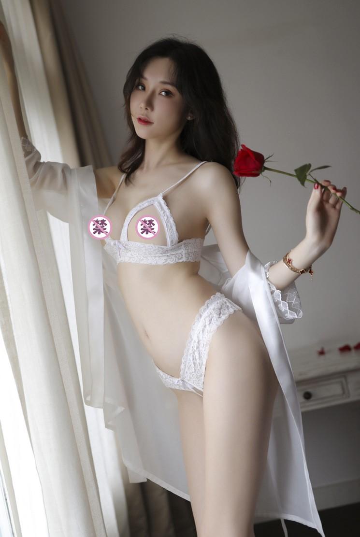 Áo choàng kèm bộ đồ lót hở ngực hở đáy sexy 5