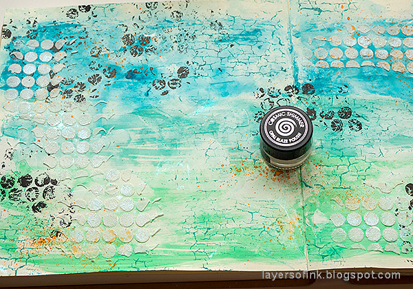 Layers of ink - Brave Wings Art Journal Page Tutorial by Anna-Karin Evaldsson.