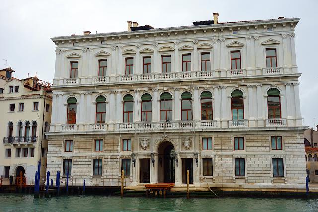 Palazzo Gassi. Poslední palác na břehu Velkého kanálu, Zajímavosti v Benátkách, kam v Benátkách,