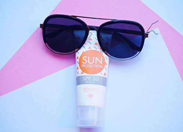 Cara  Memilih Produk Skincare yang Tepat Untuk Pemula, emina sun protection
