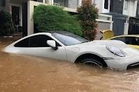Ini Cara Mengetahui Mobil Pernah Terendam Banjir