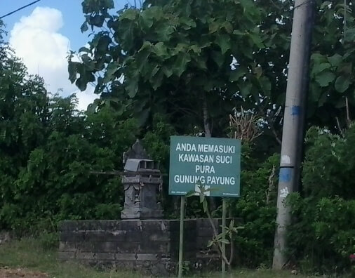 Pura Gunung Payung is located inwards Kutuh Village BaliBeaches: Gunung Payung Temple