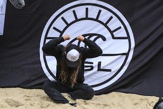 0 Tyler Wright campeona del mundo foto WSL Kelly Cestari