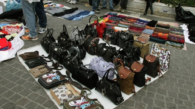 Πρόστιμα ύψους 14.900 ευρώ για παρεμπόριο σε Αττική, Ναύπλιο και Θεσσαλονίκη