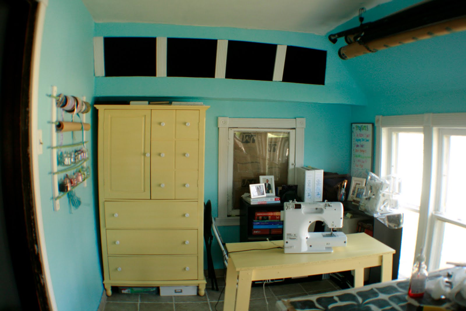 The Dabbling Crafter Diy Wednesday Craft Room Paint Over