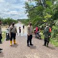 Kapolsek Keluang Bersama Forkopimcam Tinjau Lokasi Banjir