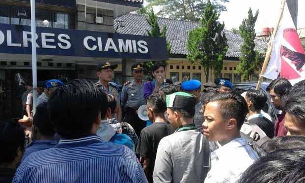 Massa FORMAT Kecam Tindakan Anarkis Anggota Kepolisian Ciamis