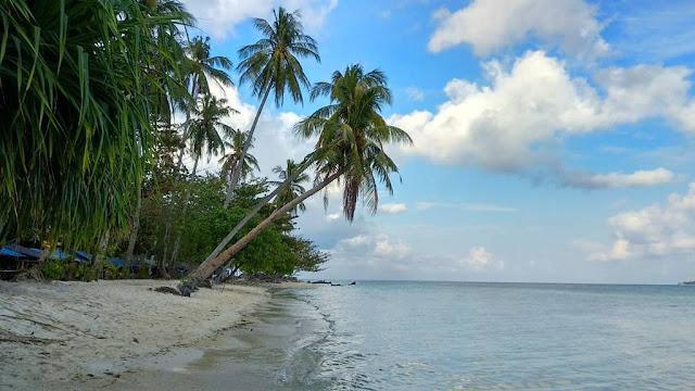 wisata-pantai-di-surabaya