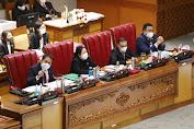 """DPR Sahkan """"Omnibus Law"""" Undang-Undang Cipta Kerja, Fraksi Partai Demokrat Dan PKS Menolak"""