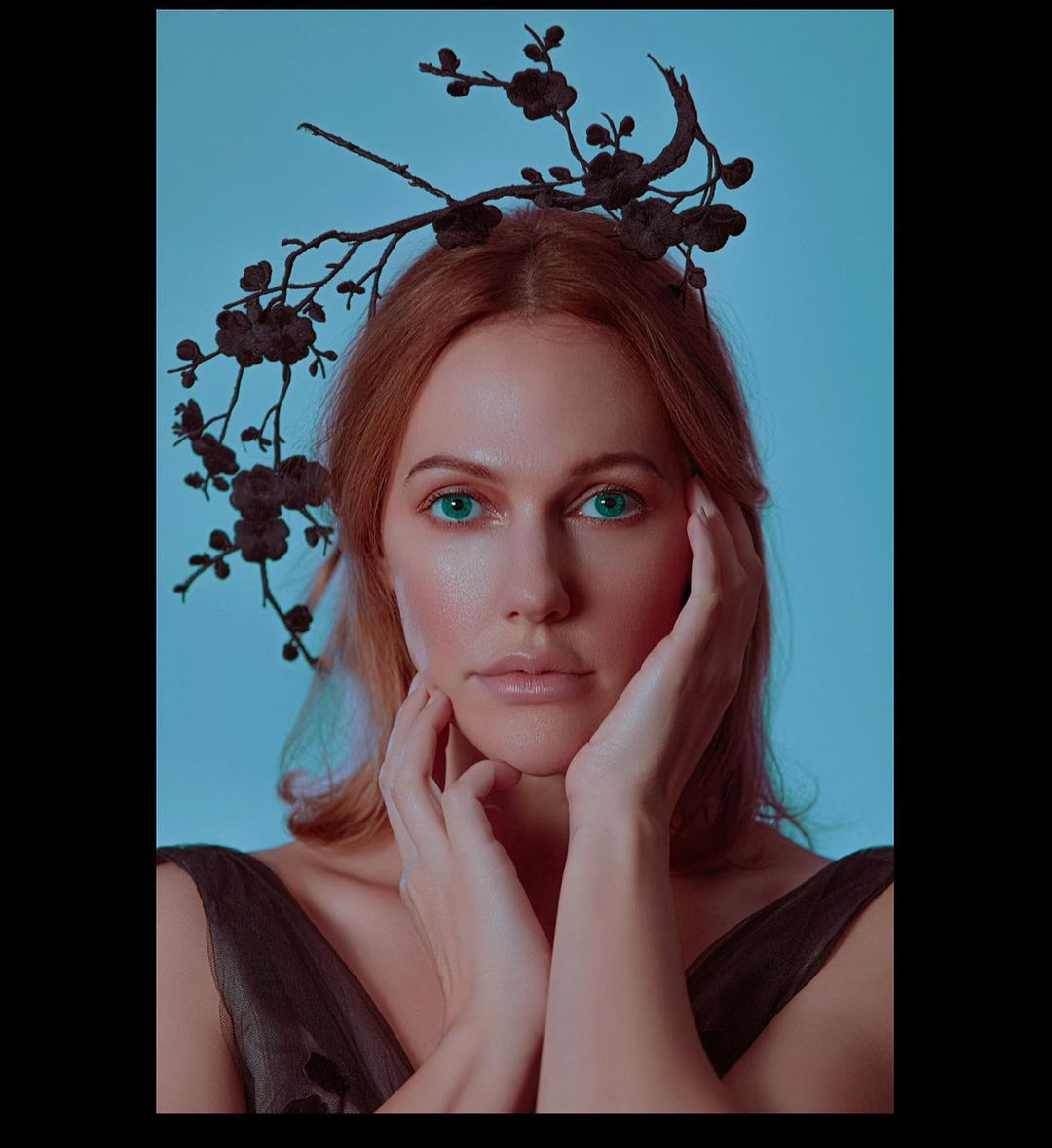 Meryem Uzerli shares her followers with her first hot look after her birth