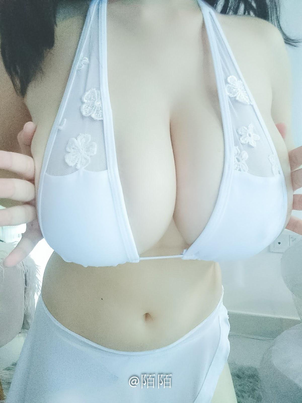 하얗고 큰 가슴 - 꾸르