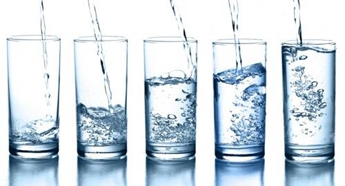 Cara Minum Air Putih Yang Benar