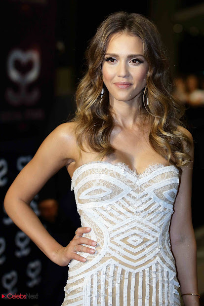 Jessica Alba In Strapless Dress 2013 Social Star