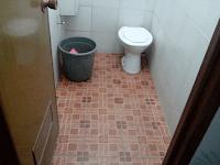 kamar mandi hotel tri star