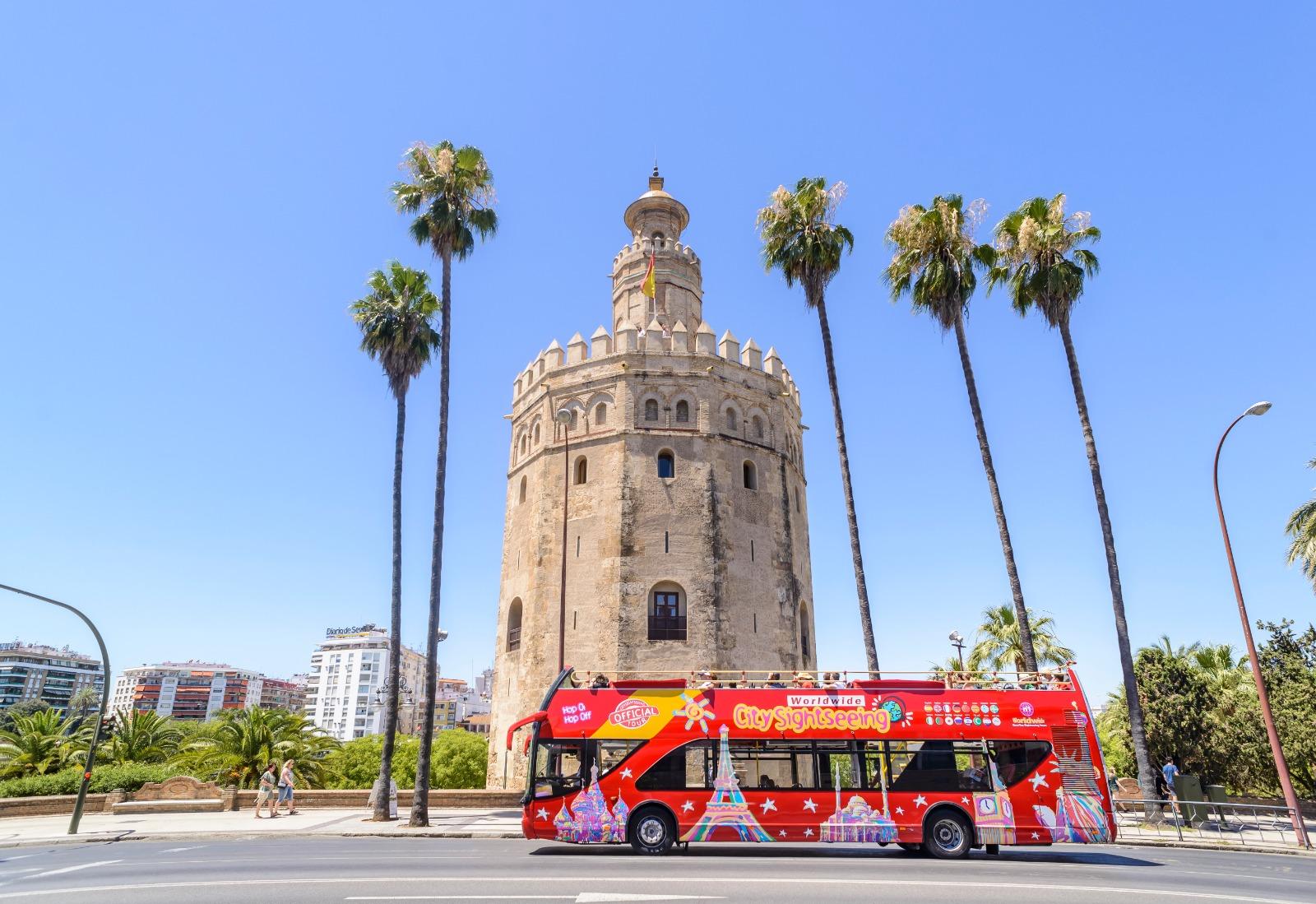 autobus city sightseeing sevilla torre oro