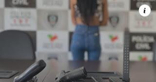 Na grande JP uma  jovem de 24 anos é presa com armas, munições e carregadores de uso restrito da polícia,