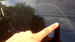 4 Cara Mudah Menghilangkan Water Spot Pada Kaca Kendaraan