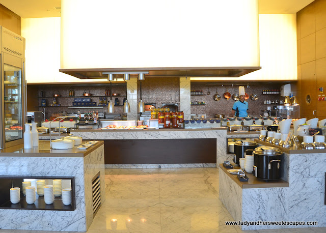 Live cooking station at Marriott Al Forsan
