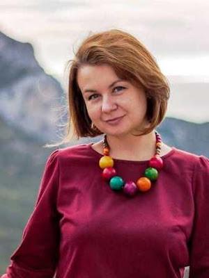Савченко Юлія Євгенівна,  куратор 9 класу, вчитель української та російської мови та літератури