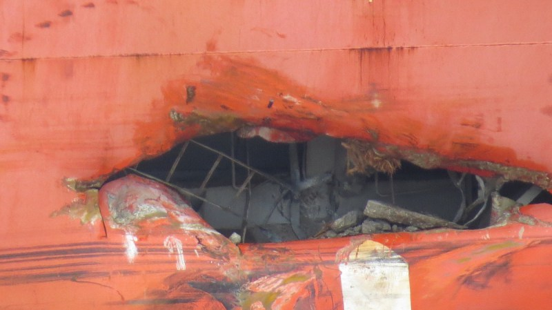 Photos Show Damage to Detained 'Star of Abu Dhabi' Bulker After Mississippi River Allision