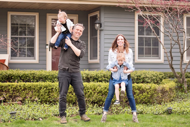 Laura Kowalski with her family Iced Tea Photography