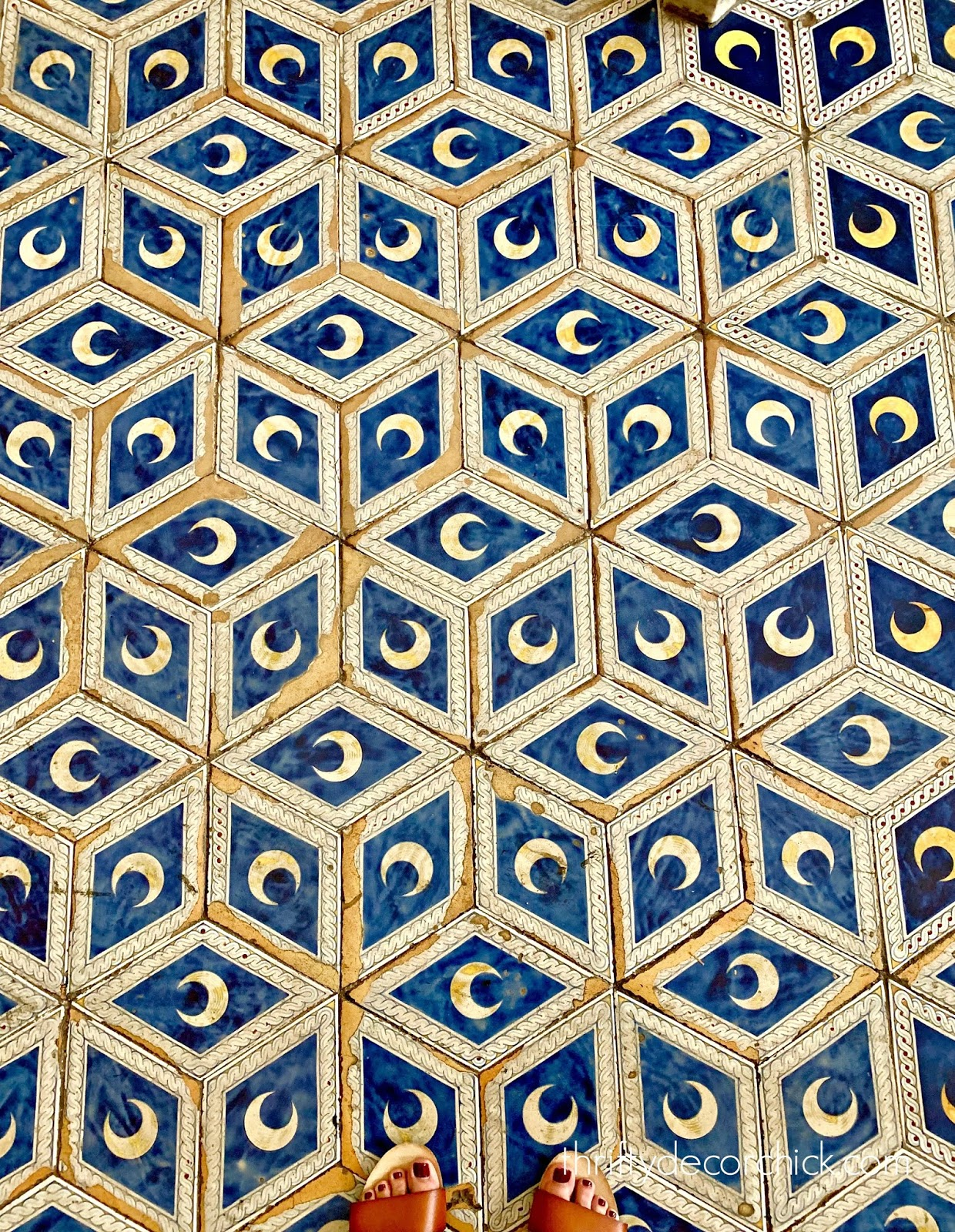 Moon floor tile in Siena