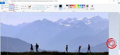 2. Kemudian klik pada Select lalu buat selection yang ingin di crop pada gambar atau foto