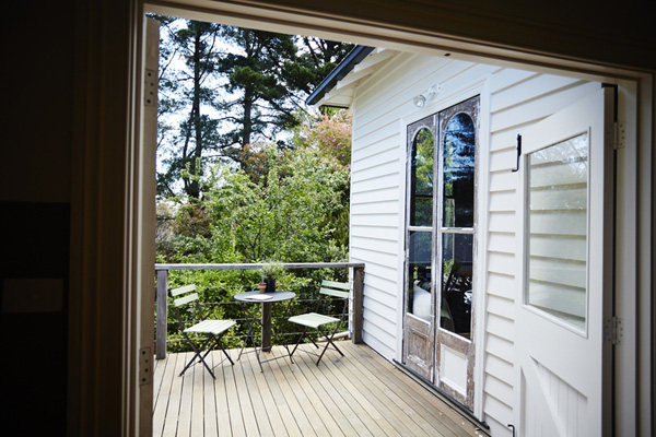 http://onekindesign.com/2014/10/04/miners-cottage-restoration-australia-vintage-house-daylesford/