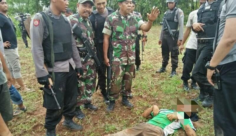 Polisi dan TNI melumpuhkan teroris Tuban