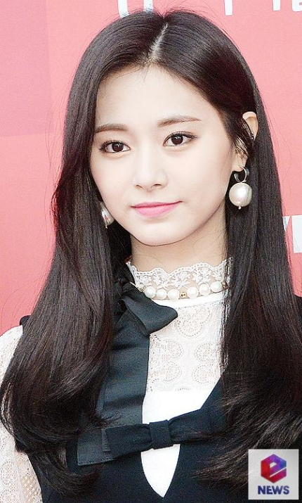 TWICE Tzuyu joined the donation with 50million won to prevent the spread of Corona19 and help the medical staff in need.