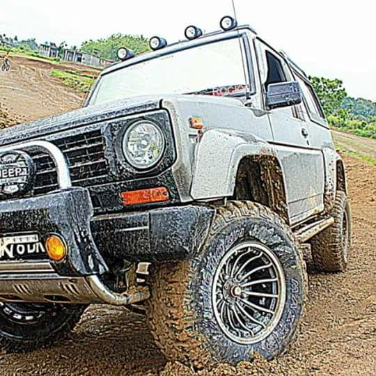 daihatsu taft di lumpur
