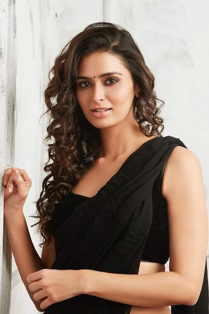 Meenakshi Dixit Latest Hot Photos In Black Saree Actress Trend