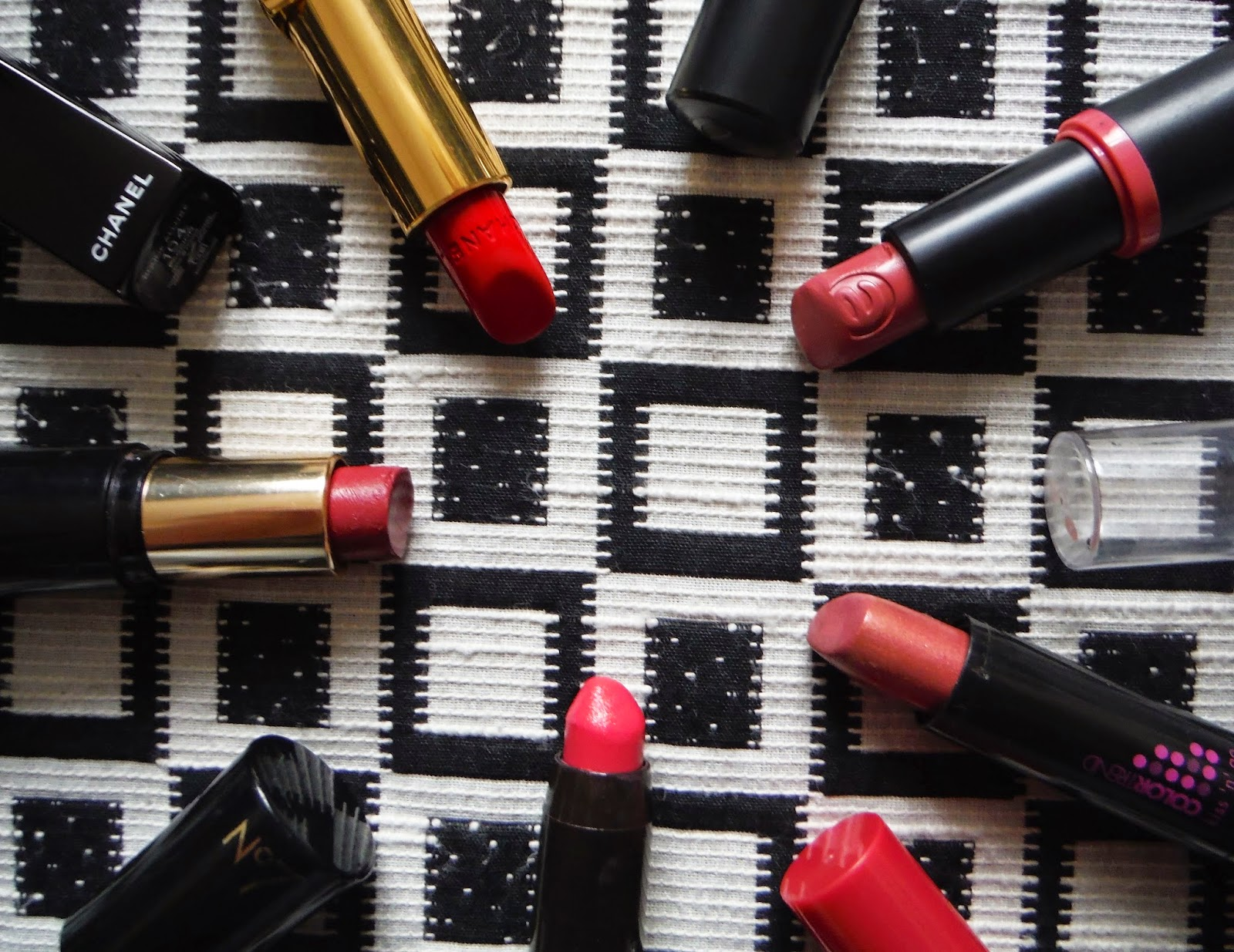 a closer shot of my favourite lipsticks
