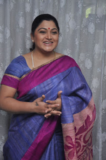 Kushboo in silk saree stills (7).jpg