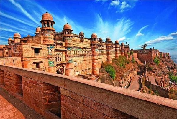 Gwalior Attraction : Gwalior fort Gwalior