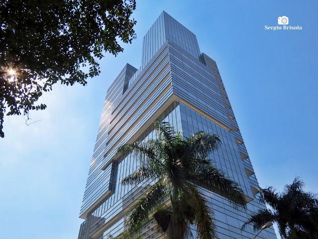 Vista ampla da fachada do espetacular Edifício Augusta Jardins - Cerqueira César - São Paulo