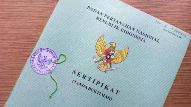 Damayanti Serahkan 173 Sertifikat Tanah dari Karawi ke Pemkab Kepulayan Yapen